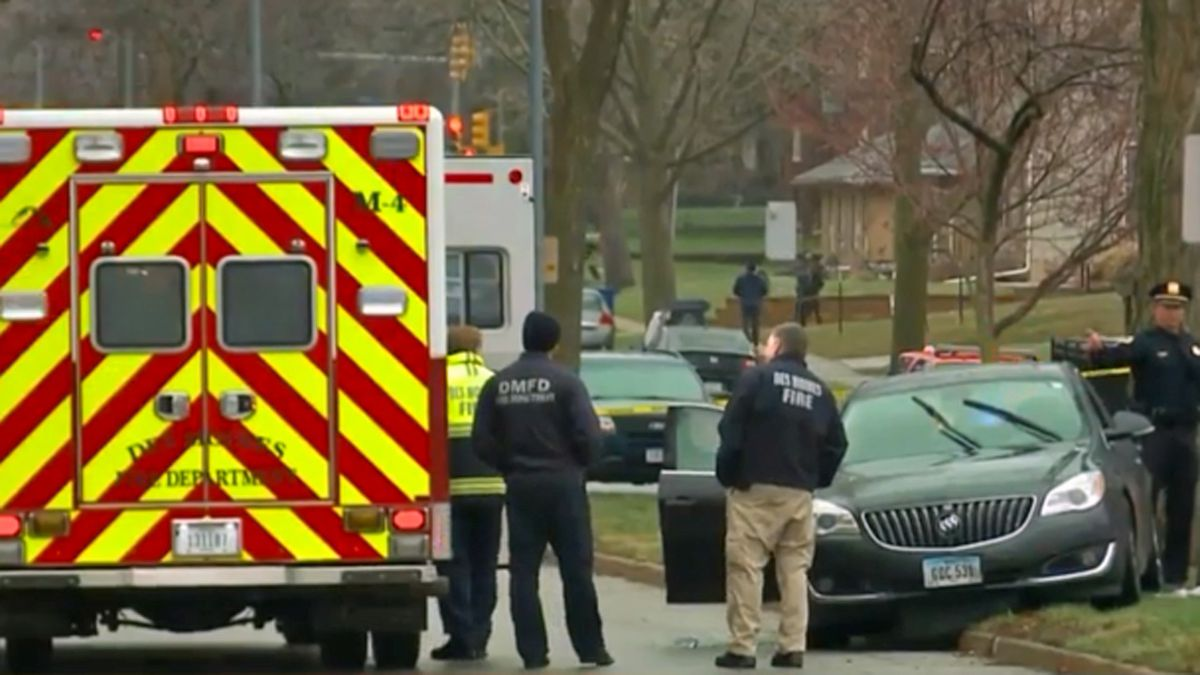 Emergency responders on the scene of a shooting in Des Moines on Friday, April 3, 2020 (KCCI)