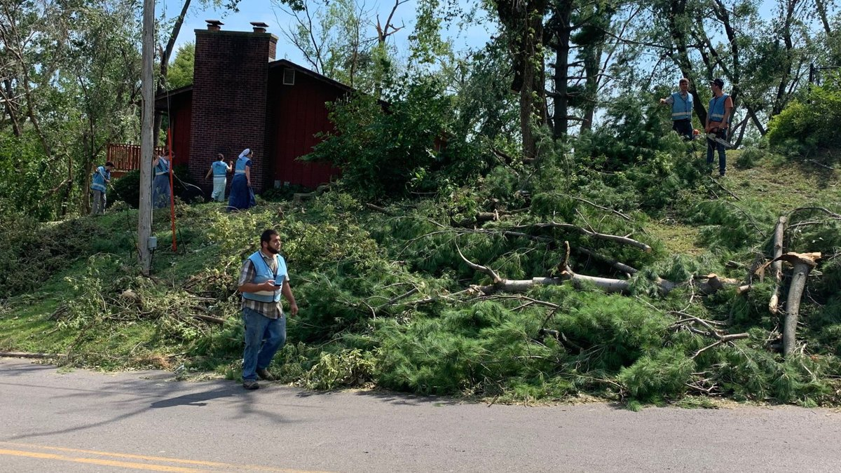 Volunteers came to the aid of those dealing with damage following severe storms in Iowa.