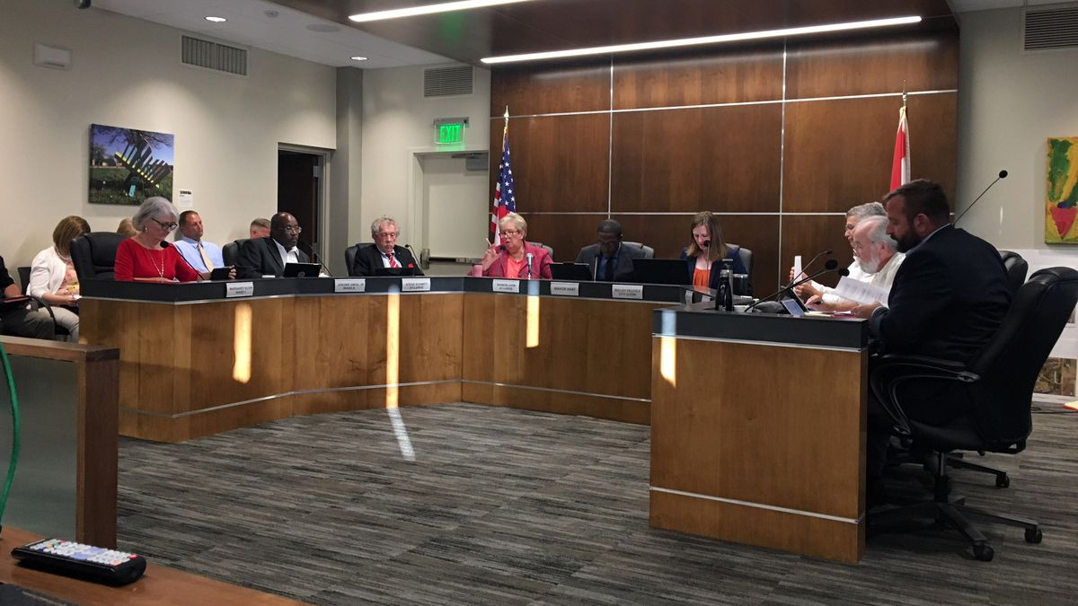 "The Waterloo City Council passed the second reading of a ""ban the box"" ordinance on Sept. 3, 2019. (Mary Green/KCRG)"
