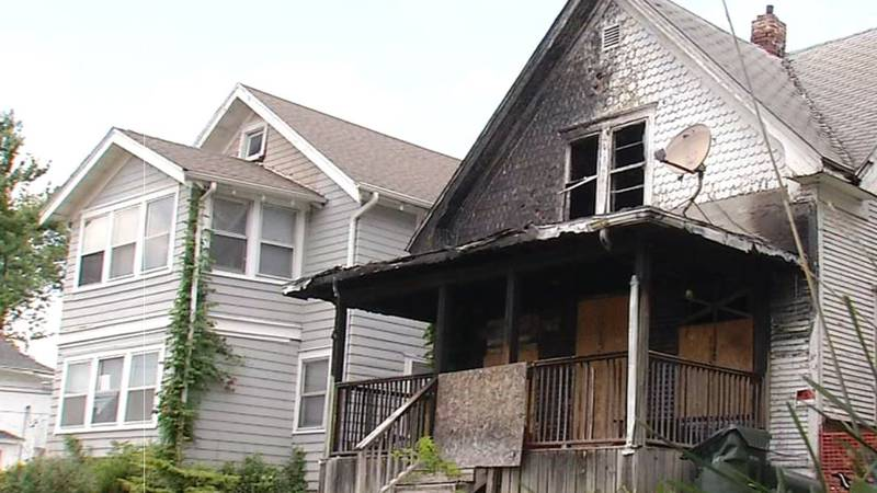 Neighbors in Wellman living next to unkempt home for years