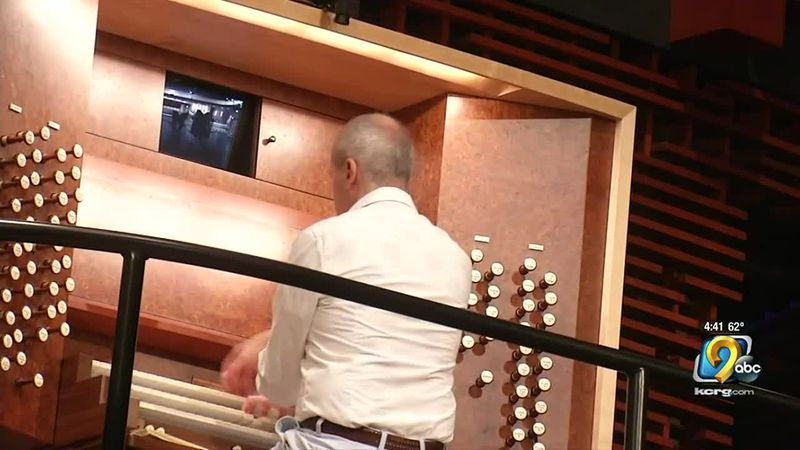 The organ weighs 21 tons and it has more than 3,000 pipes ranging from 32 feet in length to...