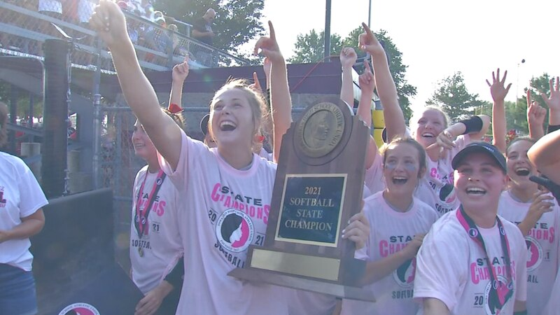 Western Dubuque wins program's first softball state title