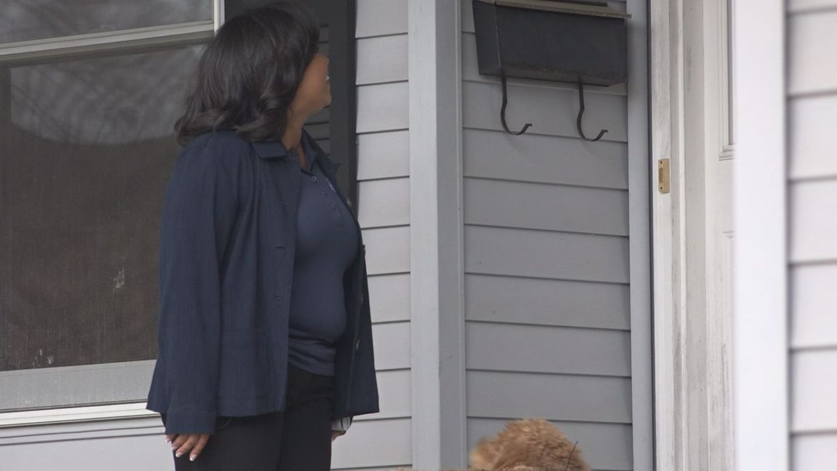 Iowa House District 99 candidate Pauline Chilton, Republican, canvases on Sunday, Oct. 28. (Allison Wong, KCRG-TV9)