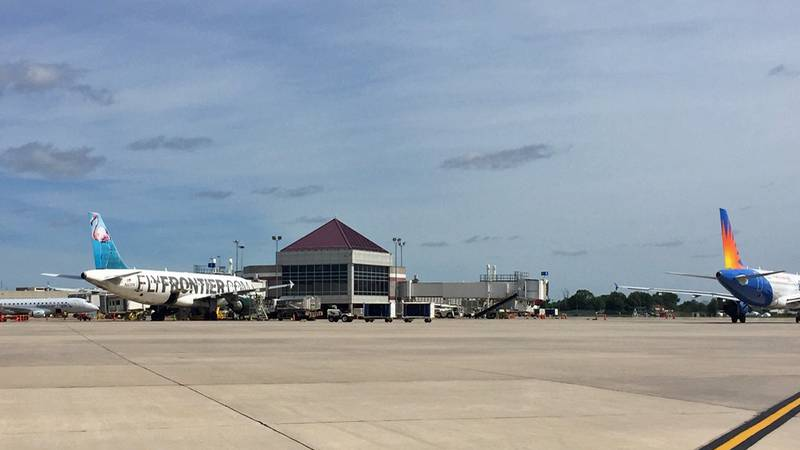 Planes getting ready to take off from the Eastern Iowa Airport tarmac (Jackie Kennon/KCRG)
