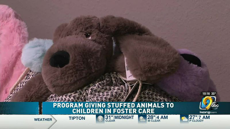 Program giving stuffed animals to children in foster care