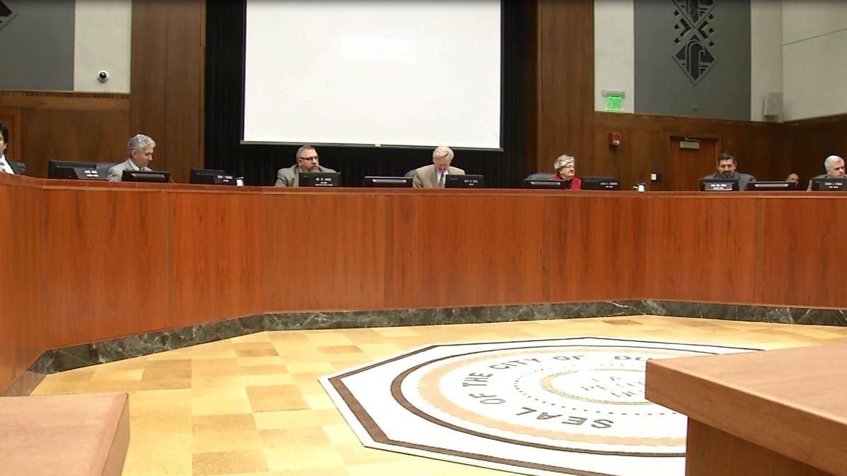 The Dubuque City Council meets Feb. 15, 2016.