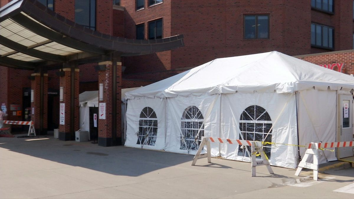 A tent that is set up outside of the entrance to the emergency department at Mercy Medical Center in Cedar Rapids. Patients with mild to severe respiratory symptoms are being tested in this tent after calling ahead to a doctor to help limit the spread of COVID-19. (Brian Tabick/KCRG)