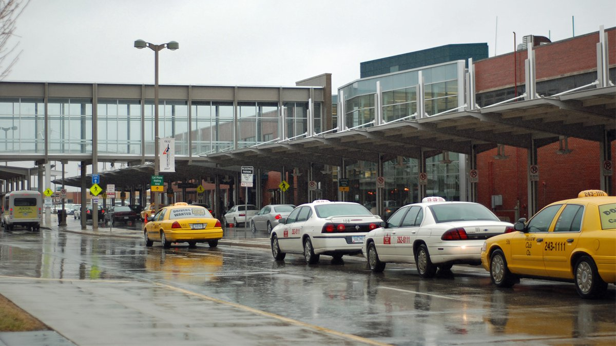 Des Moines International Airport on April 10, 2008 (Image: Wikimedia Commons / Manop / CC-A-SA...