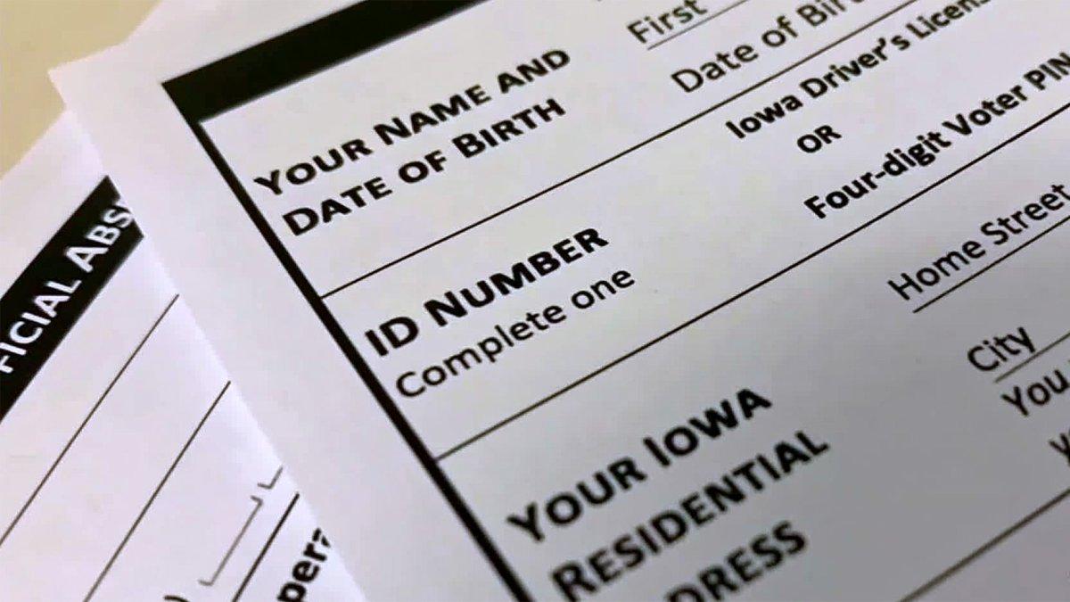 An Iowa absentee ballot request form.