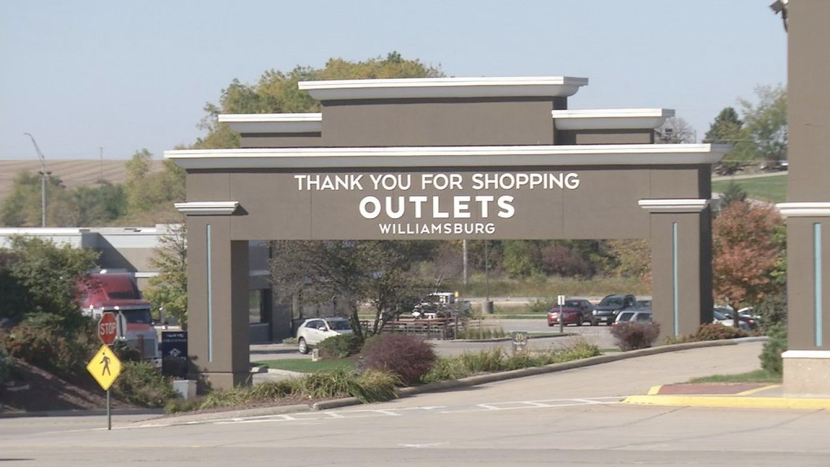 Outlets Williamsburg hoping to regain businesses lost during the pandemic.