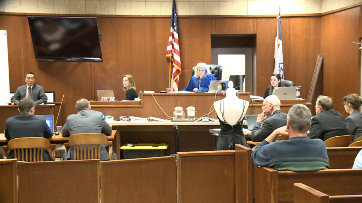 Paul Bush testifies at first degree-murder trial of Jerry Burns at the Scott County Courthouse...