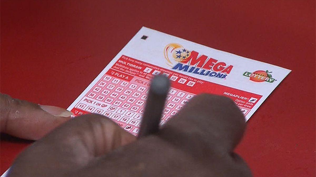 Couple claims $410M Mega Millions jackpot won in Arizona