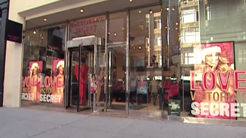 The move to close stores comes after L Brands' plan to spin off Vitoria's Secret fell through.