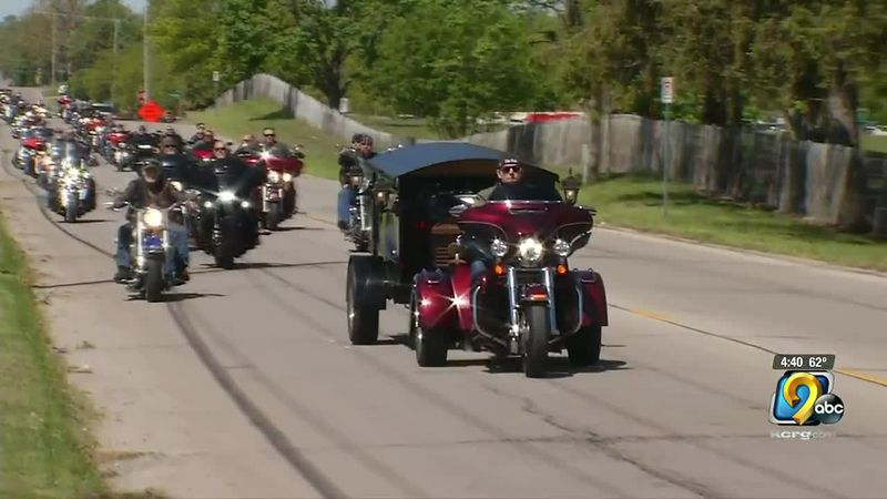 Motorcycle funeral procession escorts Cedar Rapids man to final resting place