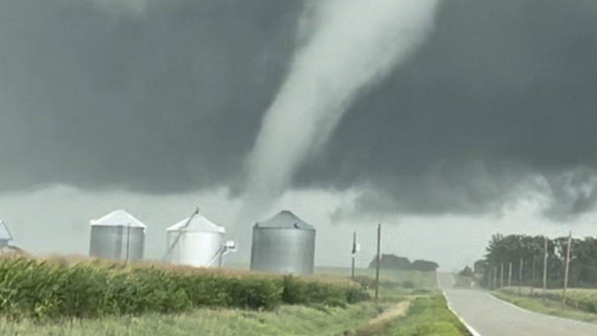 A tornado touches down near Marble Rock, Iowa, on August 27, 2021. (Willard Sharp/Iowa Storm...