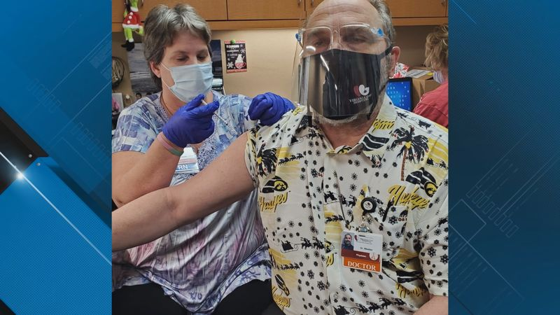 Healthcare worker at Virginia Gay Hospital in Benton County getting the vaccine