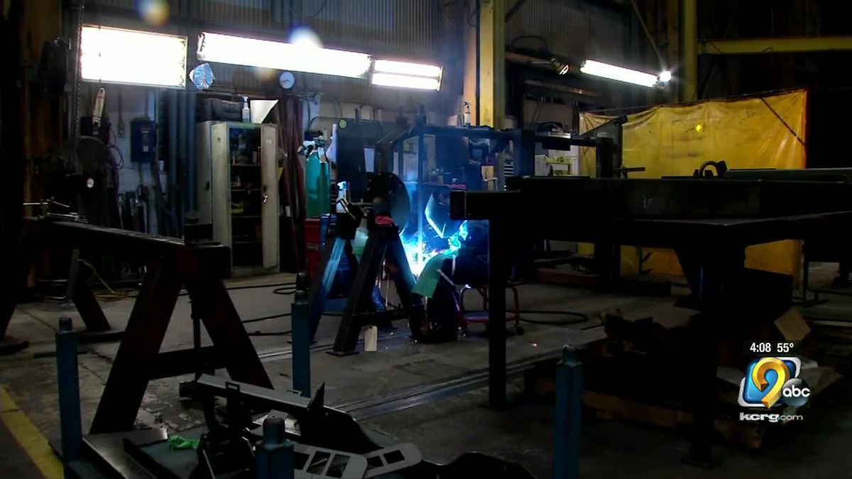 A new report shows Iowa maintained high grades for its manufacturing sector.