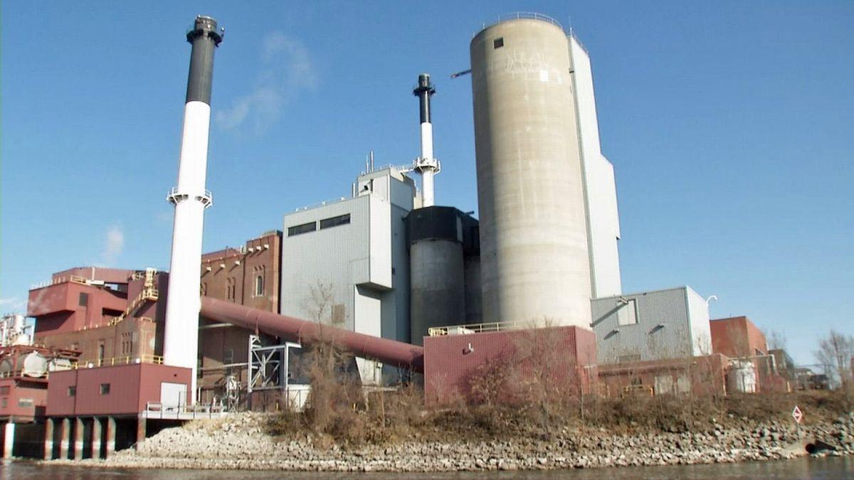 The University of Iowa Power Plant on Friday, Nov. 22, 2019 (Randy Dircks/KCRG)