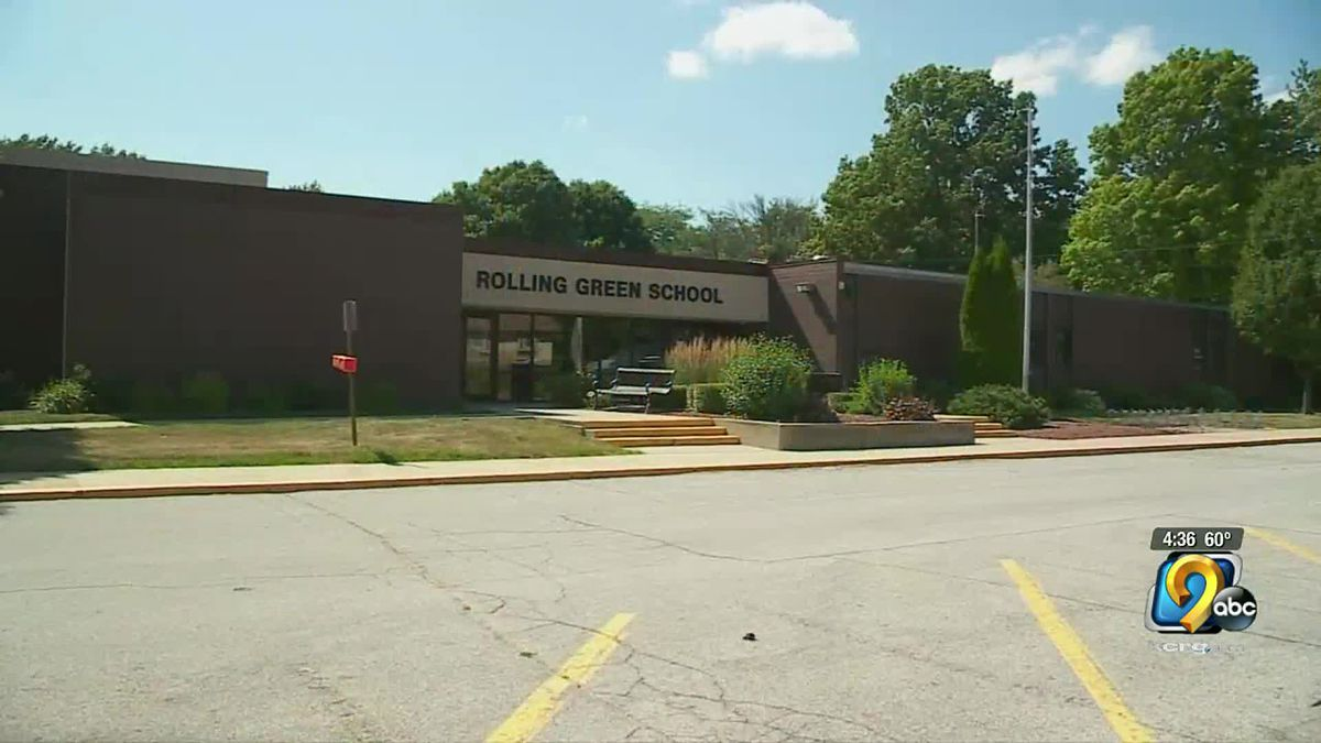 Rolling Green Elementary School in Urbandale will start holding classes again today.