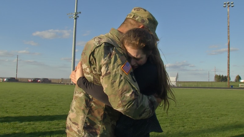 Army father surprised daughter at Track meet
