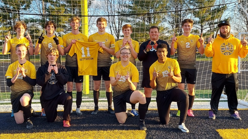 Vinton-Shellsburg soccer team has historic season in memory of lost teammate