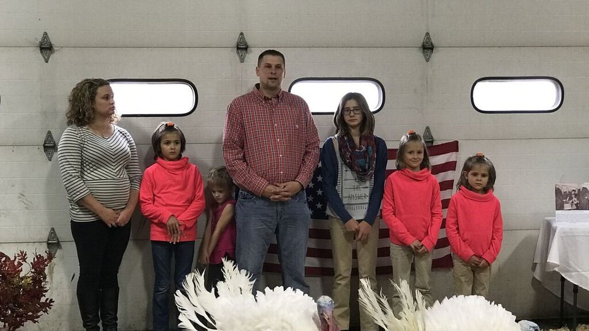 The Domino family from Early, Iowa sends off their two turkeys chosen for a presidential pardon...