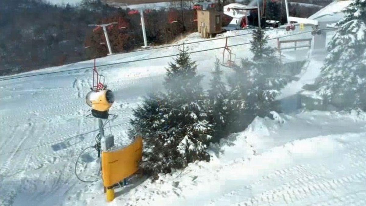 Snow-making machines prepare the ski runs at Sundown Mountain in Dubuque (Charlie Grant/KCRG)