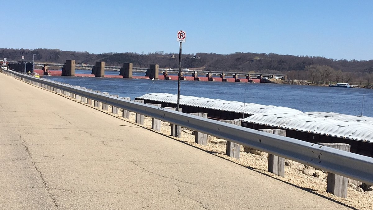 Lock and Dam 11 in Dubuque. (Allison Wong, KCRG-TV9)