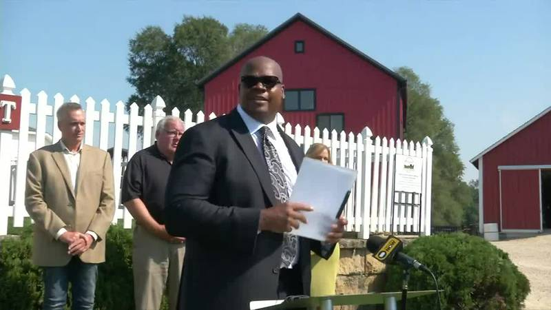 Baseball hall of famer, Frank Thomas has plans to add to Field of Dreams sit under new ownership