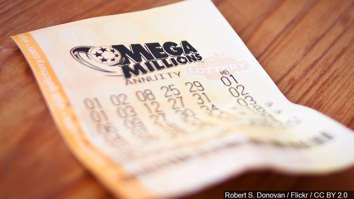 Illinois Man Claims 1m Mega Millions Prize In Iowa