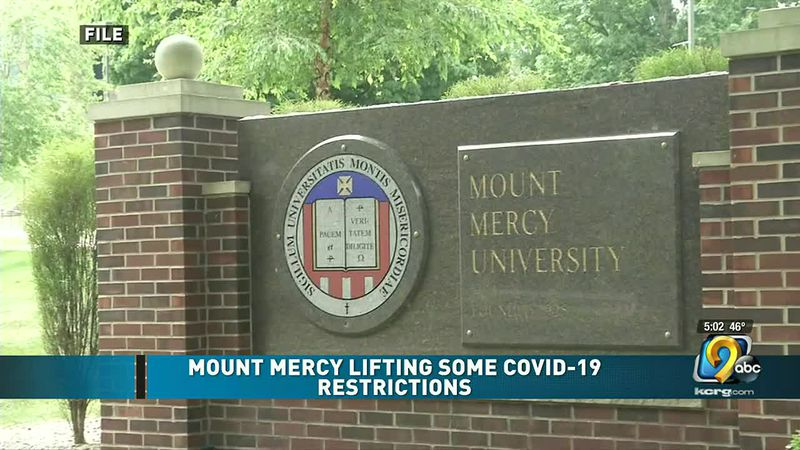 Mount Mercy University sign.