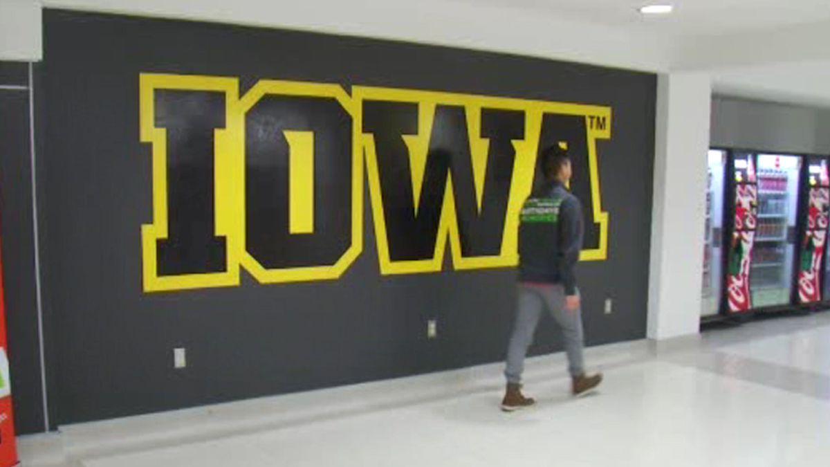 Iowa sign (KCRG)