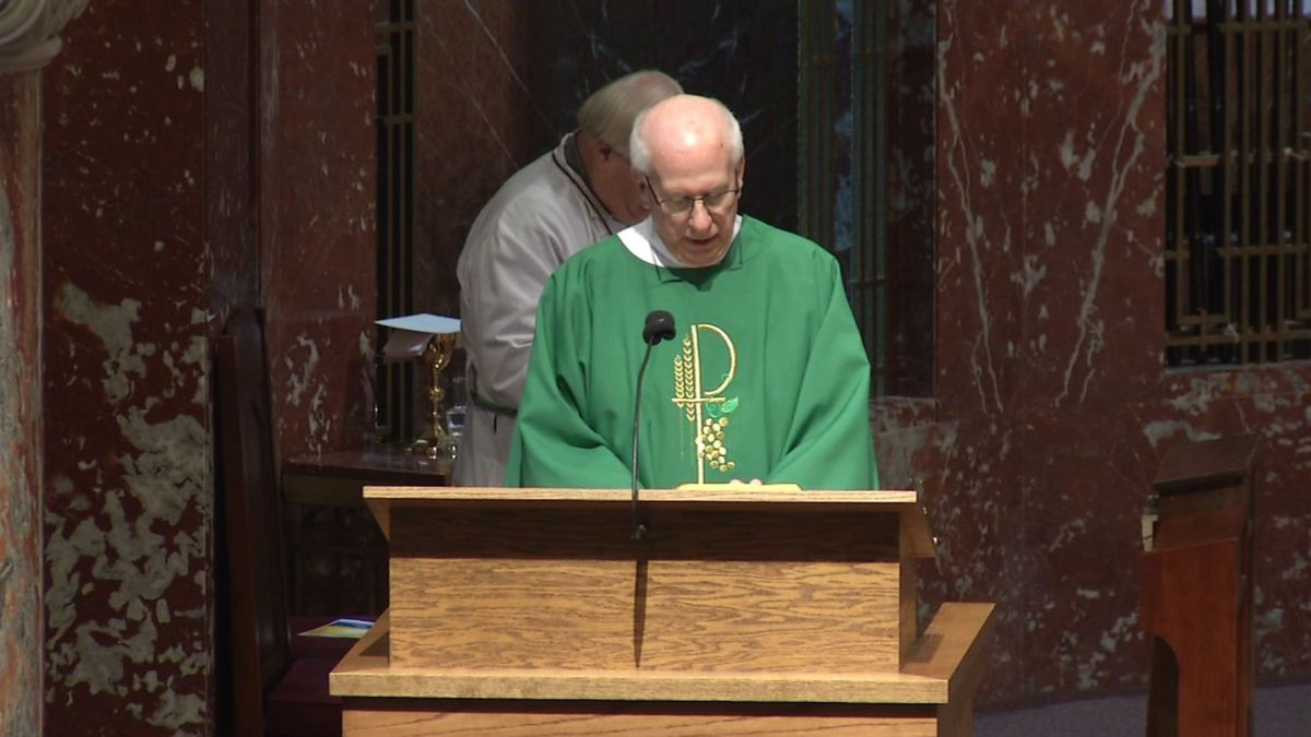 Deacon Tom Lambert of the Archdiocese of Chicago gives the homily during a Mass for Mental Illness Awareness at St. Patrick's Catholic Church in Cedar Rapids on Oct. 13, 2019. (MARY GREEN/KCRG)