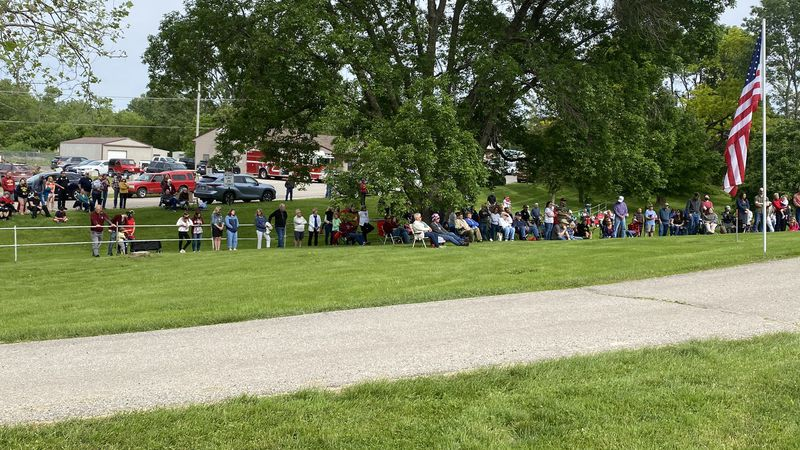A couple hundred gather in Mount Vernon as Memorial Day ceremony returns in-person for 2021.