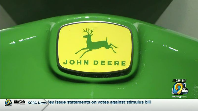 John Deere Waterloo Works looking to fill hundreds of jobs as demand goes up
