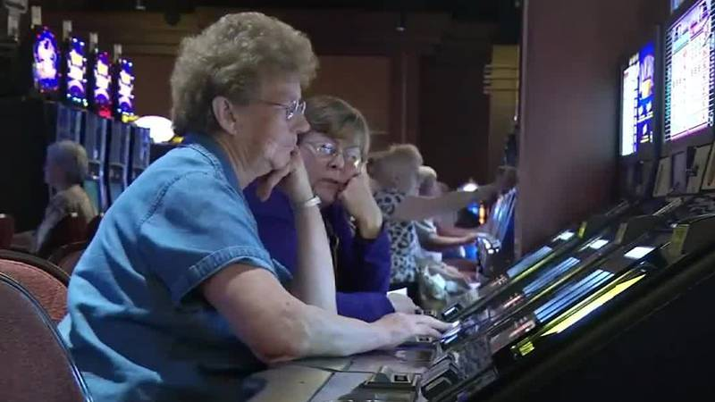 Group looking to gain support for Cedar Rapids casino.