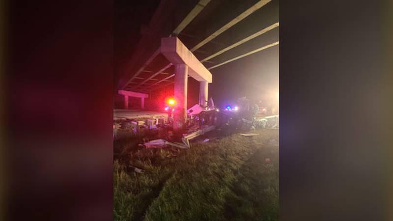 A semi-crash killed one person in Linn County Sunday night.
