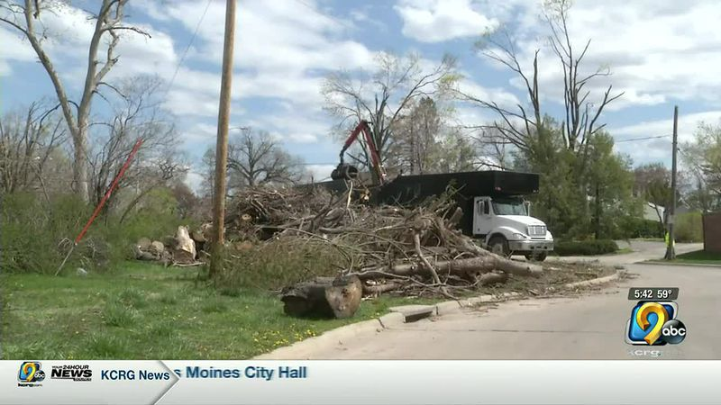 Last day for derecho debris pickup on Cedar Rapids