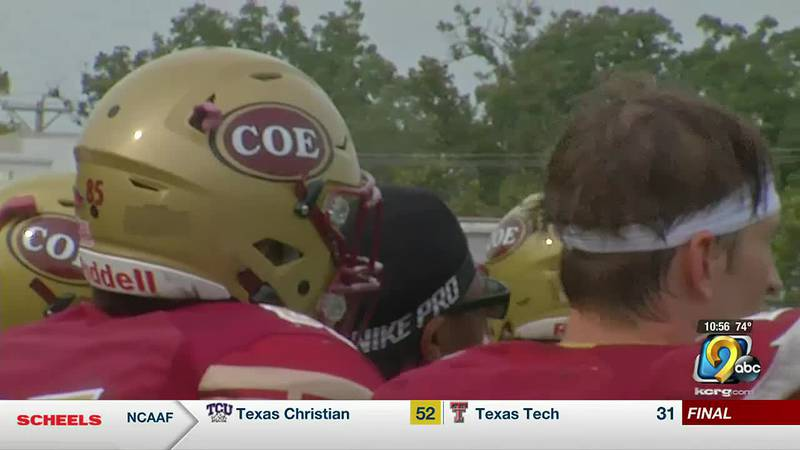 Coe drops second straight to Central College