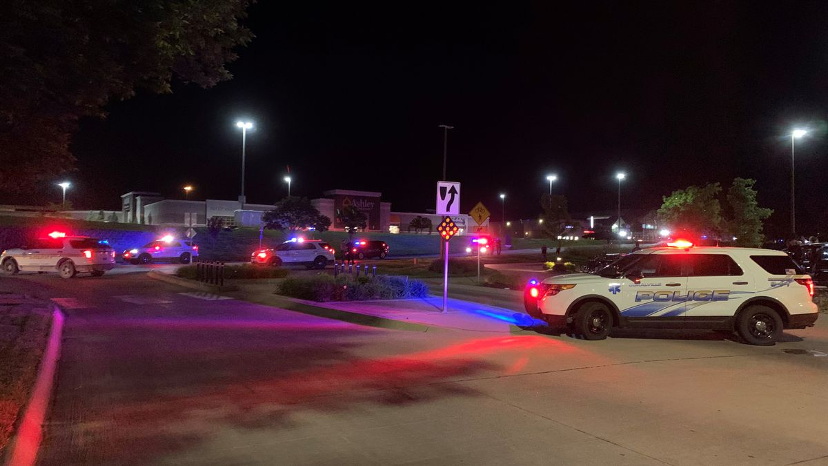 A heavy police presence on the scene of the area around Coral Ridge Mall in Coralville, Iowa, on May 31, 2020. (Mary Green/KCRG)