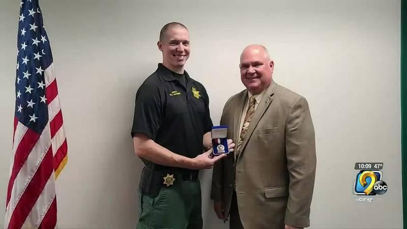 Linn County deputy receives 'Purple Heart' commendation